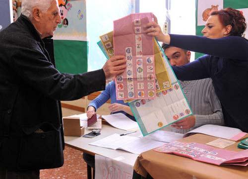 Il Cattaneo fotografa il voto. Crollo Pd-Pdl, cresce la protesta