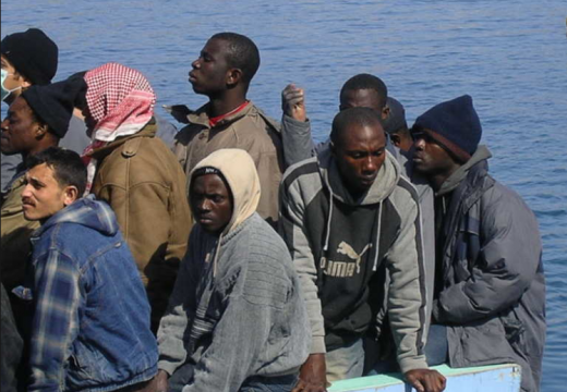 Come i trafficanti ci portano gli immigrati