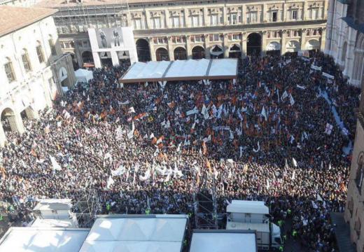 Prima e dopo la manifestazione della Lega Nord a Bologna